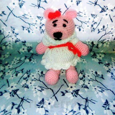 Вязаная игрушка Девочка-медведь в платье